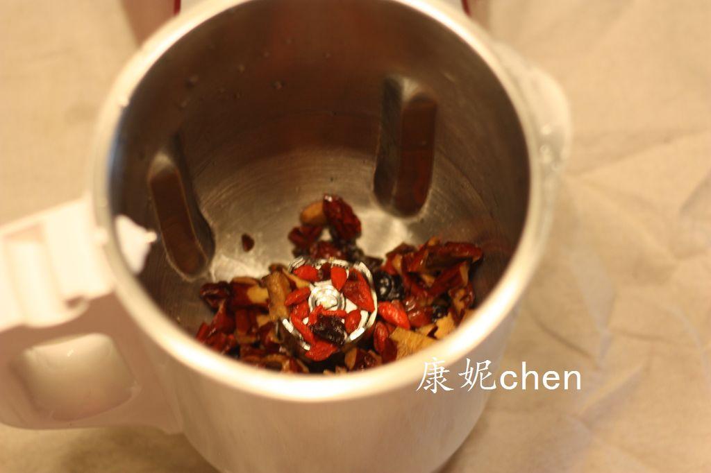 红枣桂圆枸杞茶的做法图解4