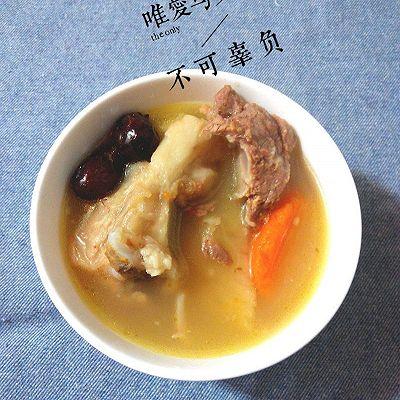 清热靓汤:红萝卜粉葛猪骨汤