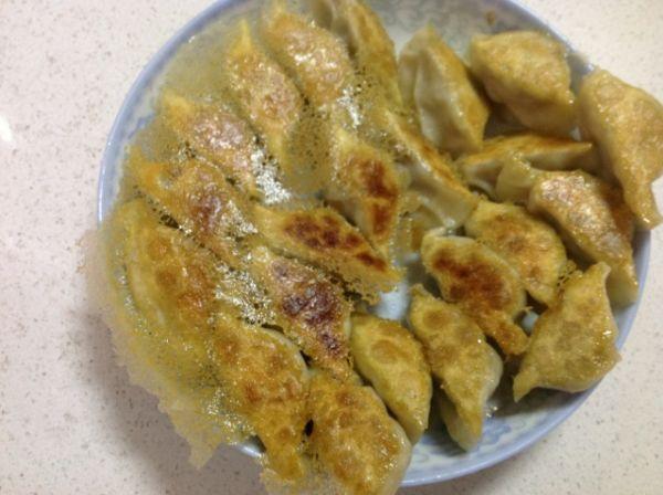 煎饺的制作过程(详细的教你和面,和馅))的做法