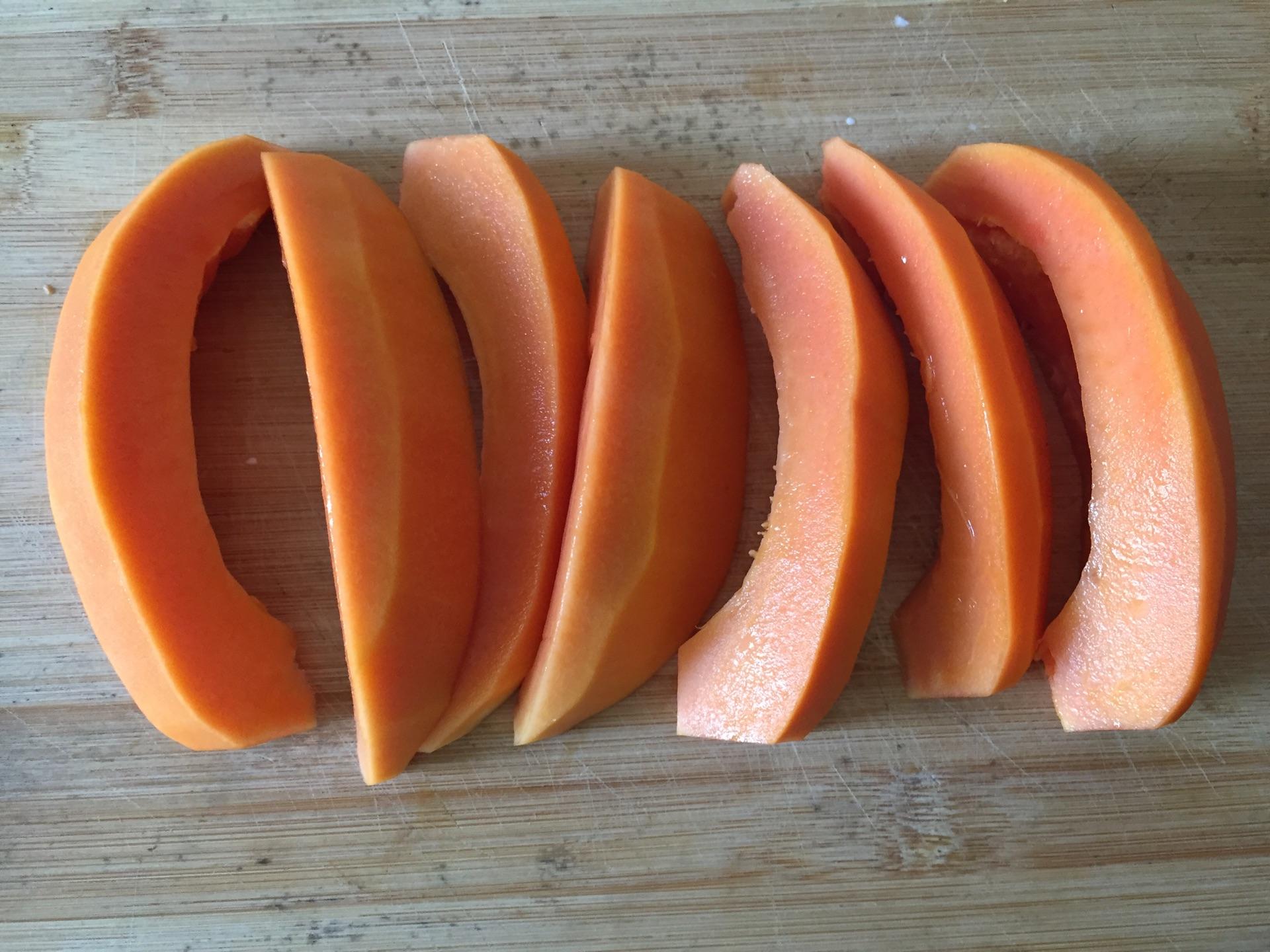 木瓜炖奶的做法图解1