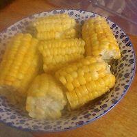 奶香玉米棒的做法图解3