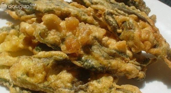 炸香椿鱼的做法