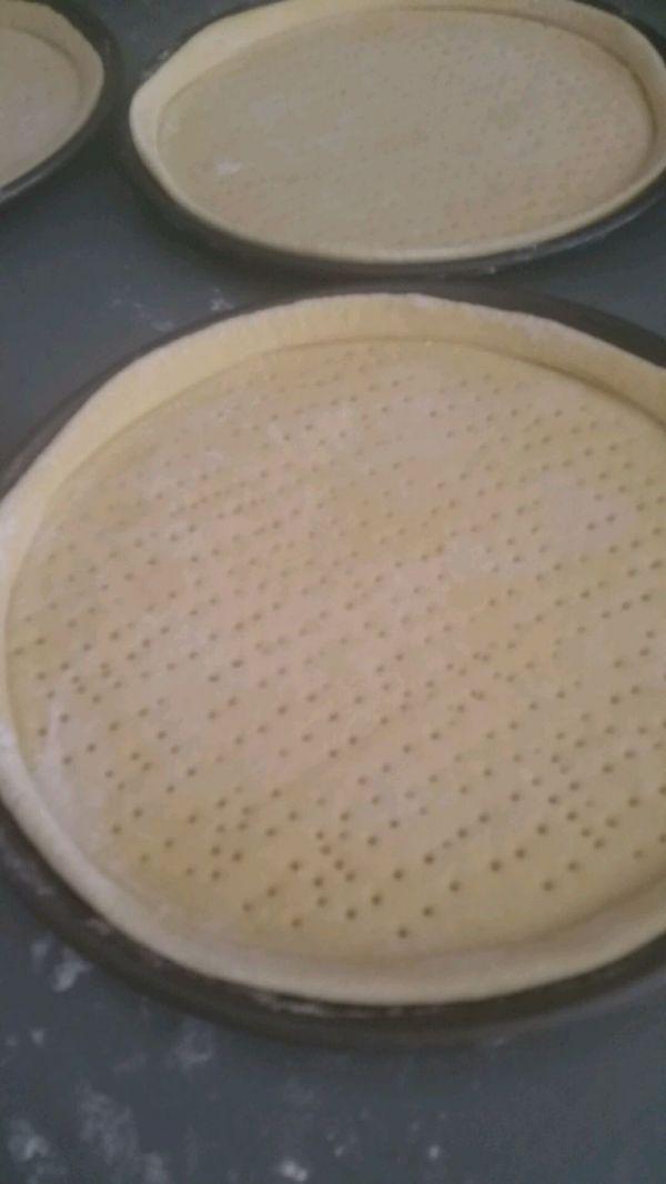 披萨饼底制作的做法