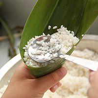 鲜肉鸭蛋黄粽子(内含红豆大枣口味)的做法图解10