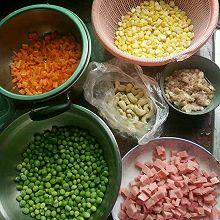 玉米西芹胡萝卜青豆炒饭