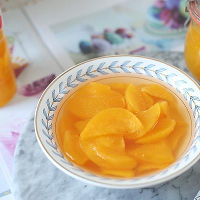 爽口的黄桃罐头
