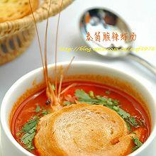 泰酱酸辣虾汤