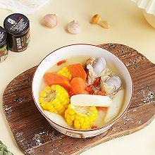 营养丰富的玉米胡萝卜筒骨汤