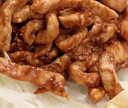 一个调料搞定的京酱肉丝 是不是很简单呢? 快去试试吧~的做法