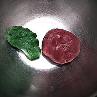 #硬核菜谱制作人#双色西瓜曲奇的做法图解5