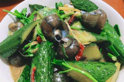 閩北特色菜:田螺煲