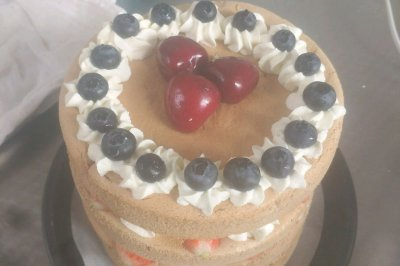 6寸4层草莓蛋糕