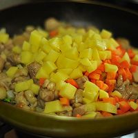 在家也能做出名菜葡国鸡的做法图解6