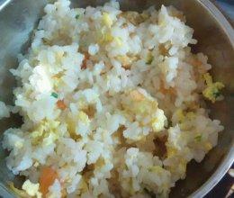 西红柿虾米鸡蛋饭的做法