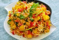 彩椒拌虾皮的做法