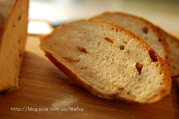 桂圆核桃黑麦包的做法