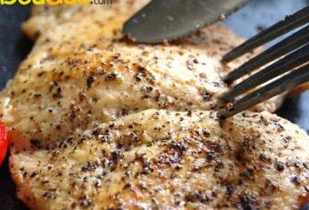 减肥也能大口大口吃肉:香煎黑椒鸡排的做法