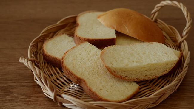 #东菱魔力果趣面包机之草莓炼乳吐司的做法
