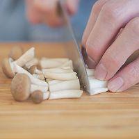菌菇鲜虾疙瘩汤的做法图解4