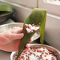 鲜肉鸭蛋黄粽子(内含红豆大枣口味)的做法图解17