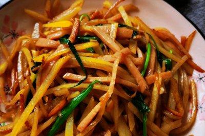 土豆絲炒午餐肉絲