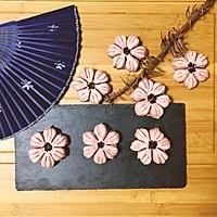 桃花酥#柏翠辅食节-烘焙零食#