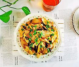 下饭神器~五花肉炒竹笋的做法