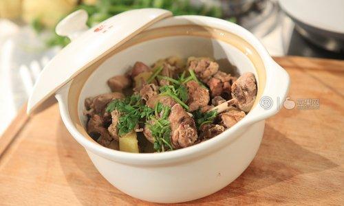 鸭肉炖土豆 —《顶级厨师》参赛作品的做法