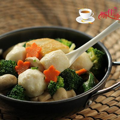 豆腐口蘑西兰花烩鱼丸