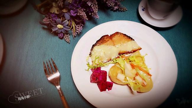 三文鱼华夫饼早餐的做法