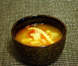 西红柿土豆咸笋汤的做法