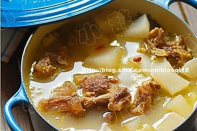 冬日里的暖身滋补萝卜牛尾汤