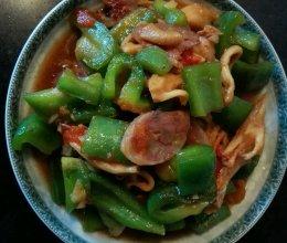 青椒菌菇炒香肠的做法