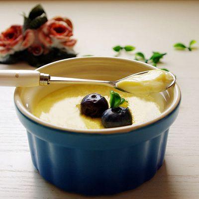 不用熬制焦糖就可以做的超简单甜品------焦糖酱布丁
