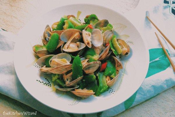 丝瓜烩花蛤的做法