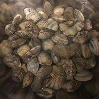 秘制辣炒花蛤的做法图解1