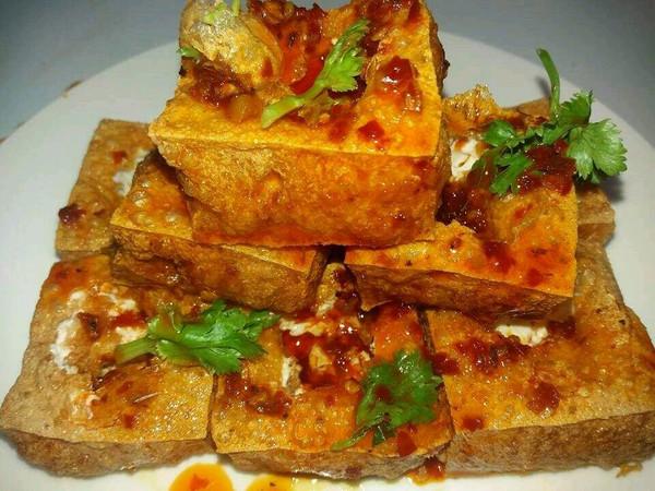 小吃摊 | 家里就可以做出来的臭豆腐!的做法