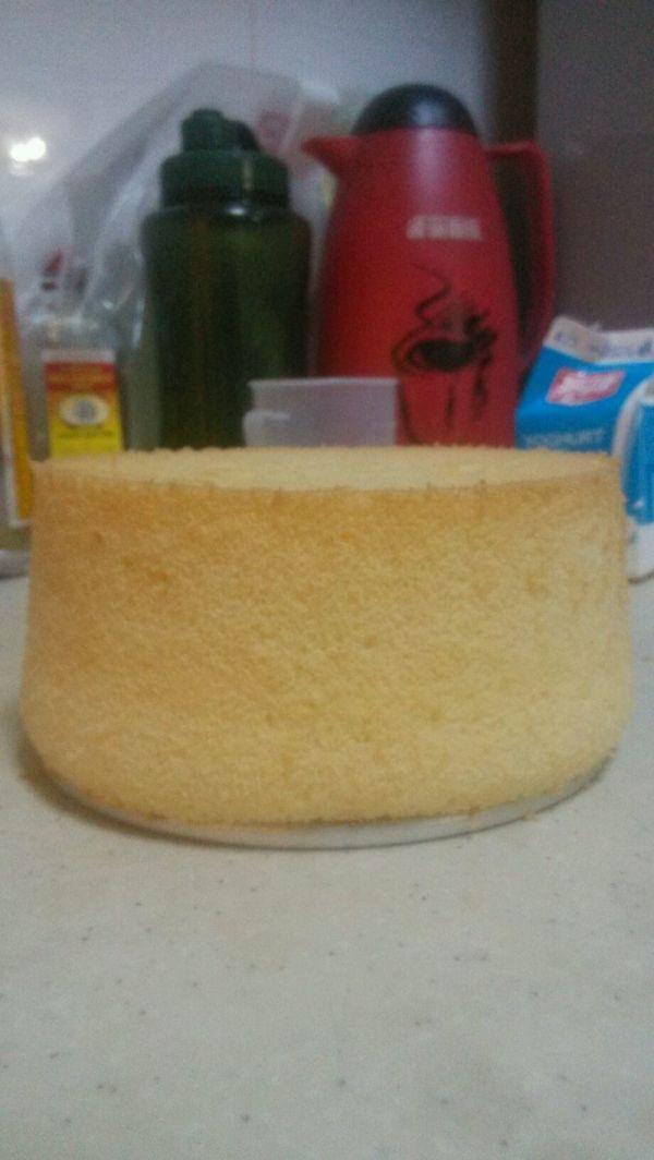 六寸戚风蛋糕的做法
