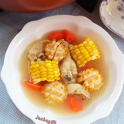 玉米鲜鲍炖鸡汤------利仁电火锅试用菜谱