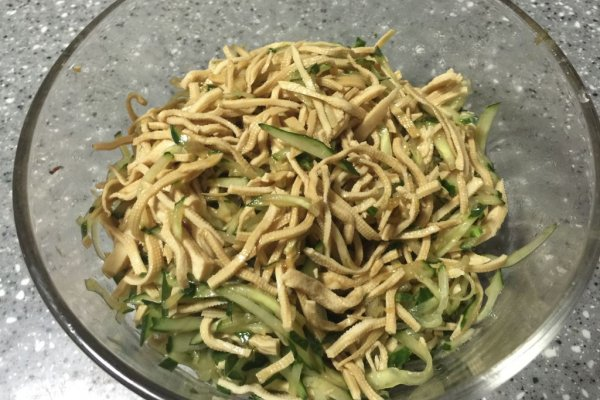 #菁选酱油试用之拌好滋味黄瓜豆腐丝的做法