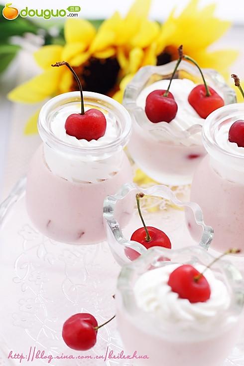 自制懒人甜品——樱桃优格布丁的做法