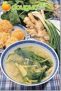 菠菜银耳汤的做法
