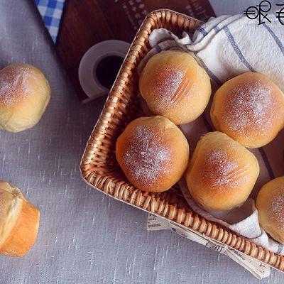 牛奶豆沙面包