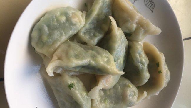 韮菜鸡蛋虾仁鲜饺子的做法