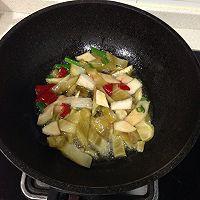 酸菜滑肉手擀面的做法图解3