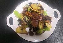 红蘑土豆片的做法