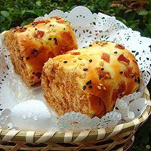 香葱培根肉松面包卷