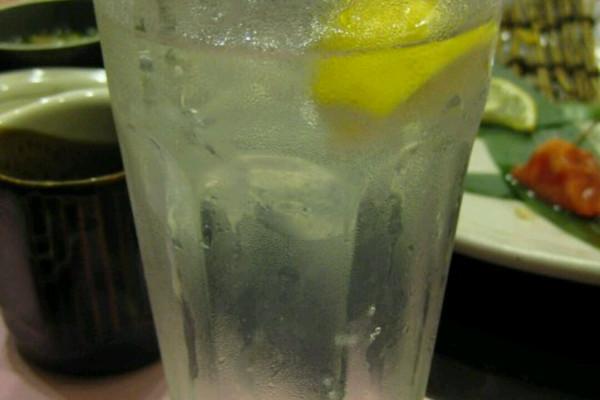 柠檬烧酒的做法