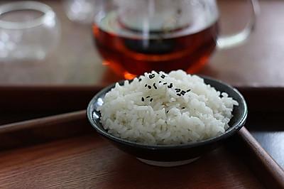 1.5元大米吃出15元口感的白米饭