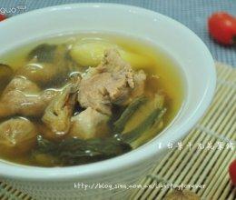 白菜干无花果猪腱汤的做法